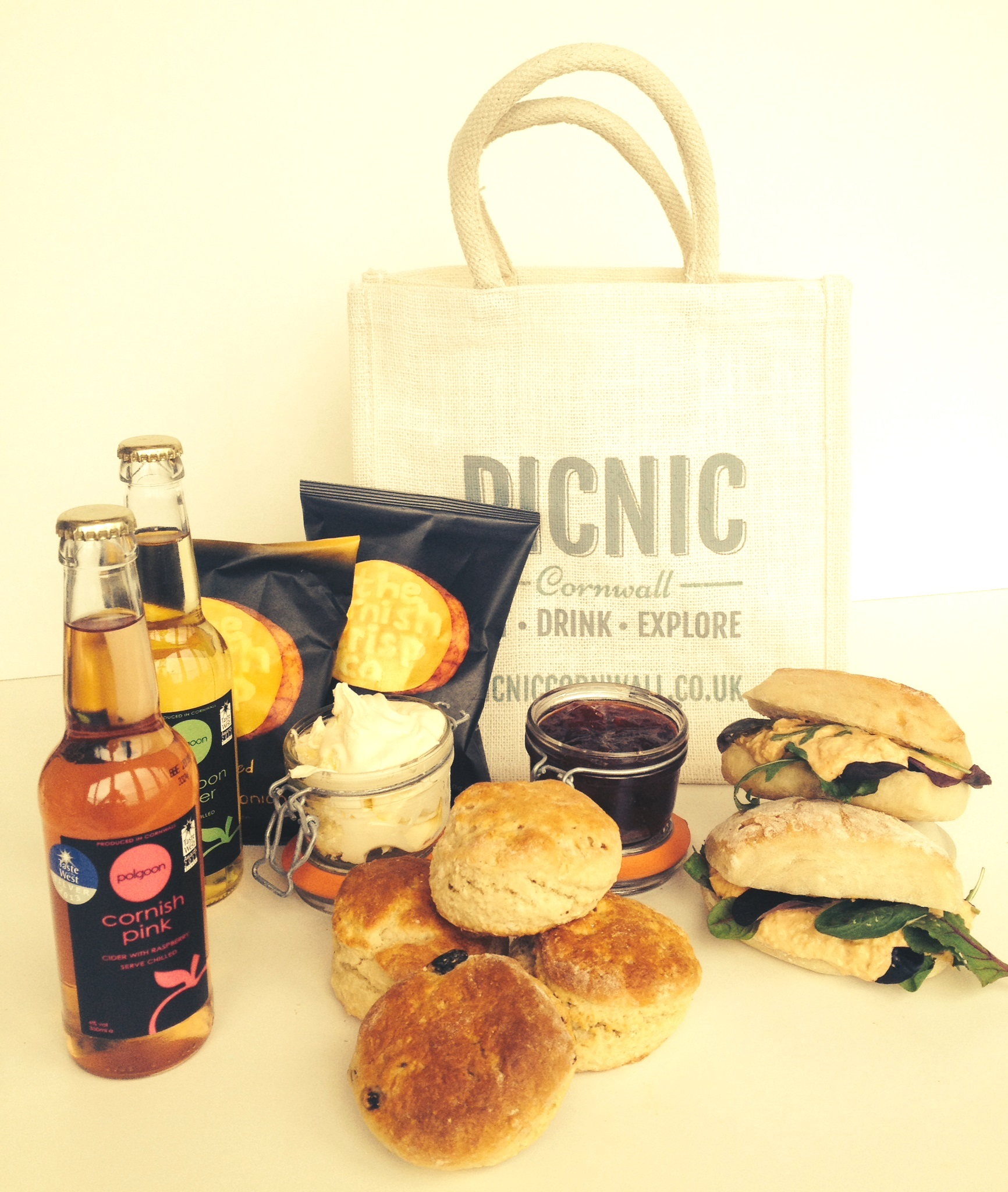 Picnic Cornwall Cornish Hamper Falmouth 4